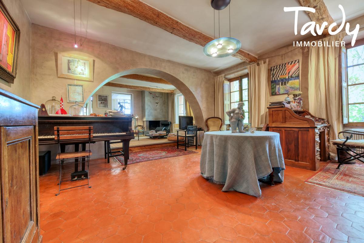Propriété au calme sur 3,2  hectares - 83510 LORGUES - Lorgues - Grande propriété à vendre en Provence
