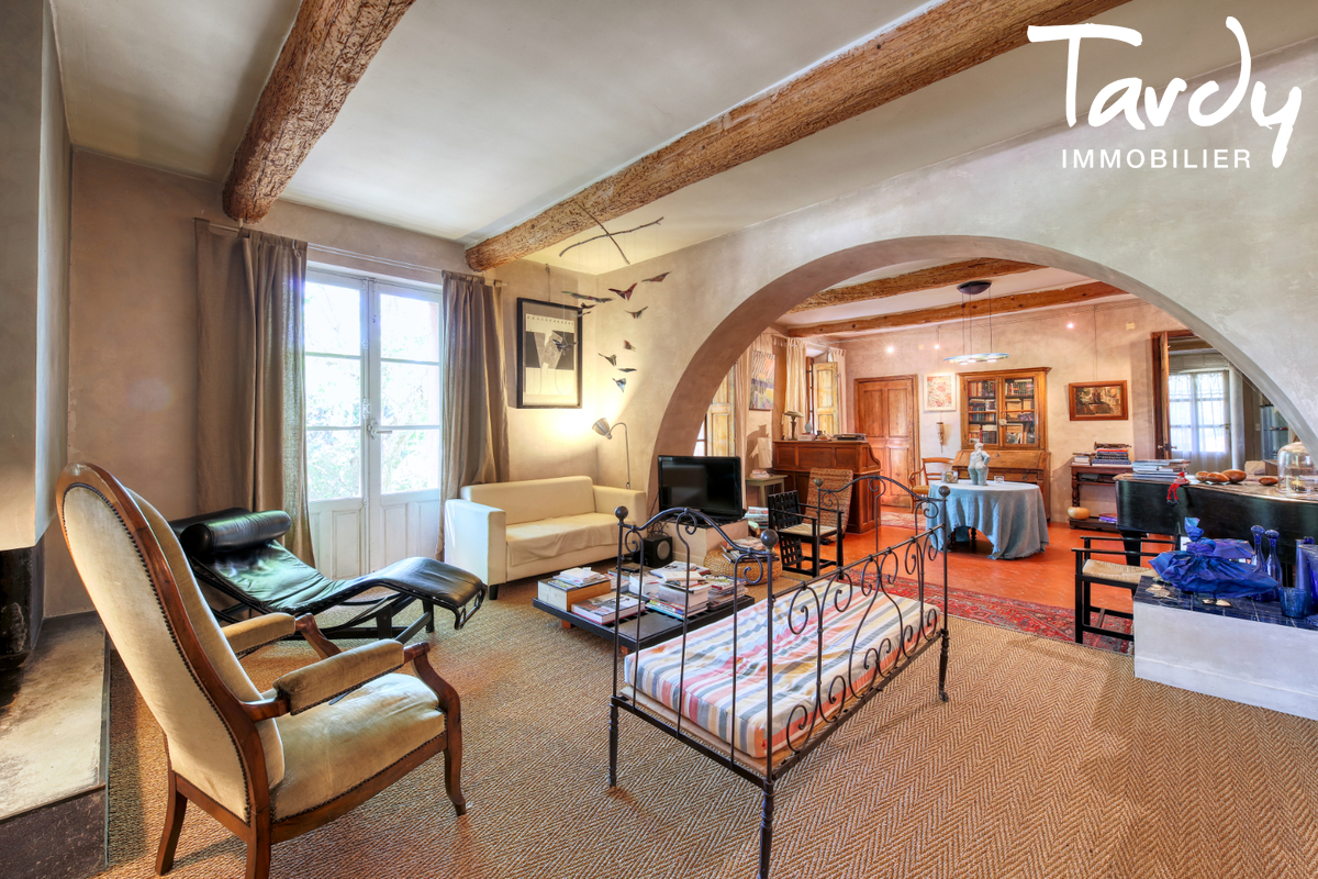 Propriété au calme- grand terrain - 83300 DRAGUIGNAN - Draguignan - Grande propriété à vendre en Provence