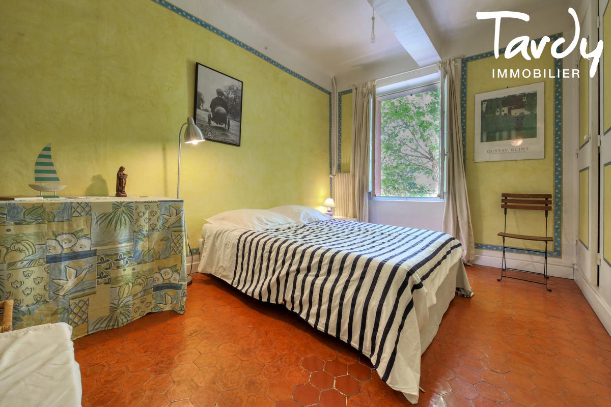 Propriété au calme- grand terrain - 83300 DRAGUIGNAN - Draguignan - Grundstück mit Olivenbäumen und Villa zu verkaufen