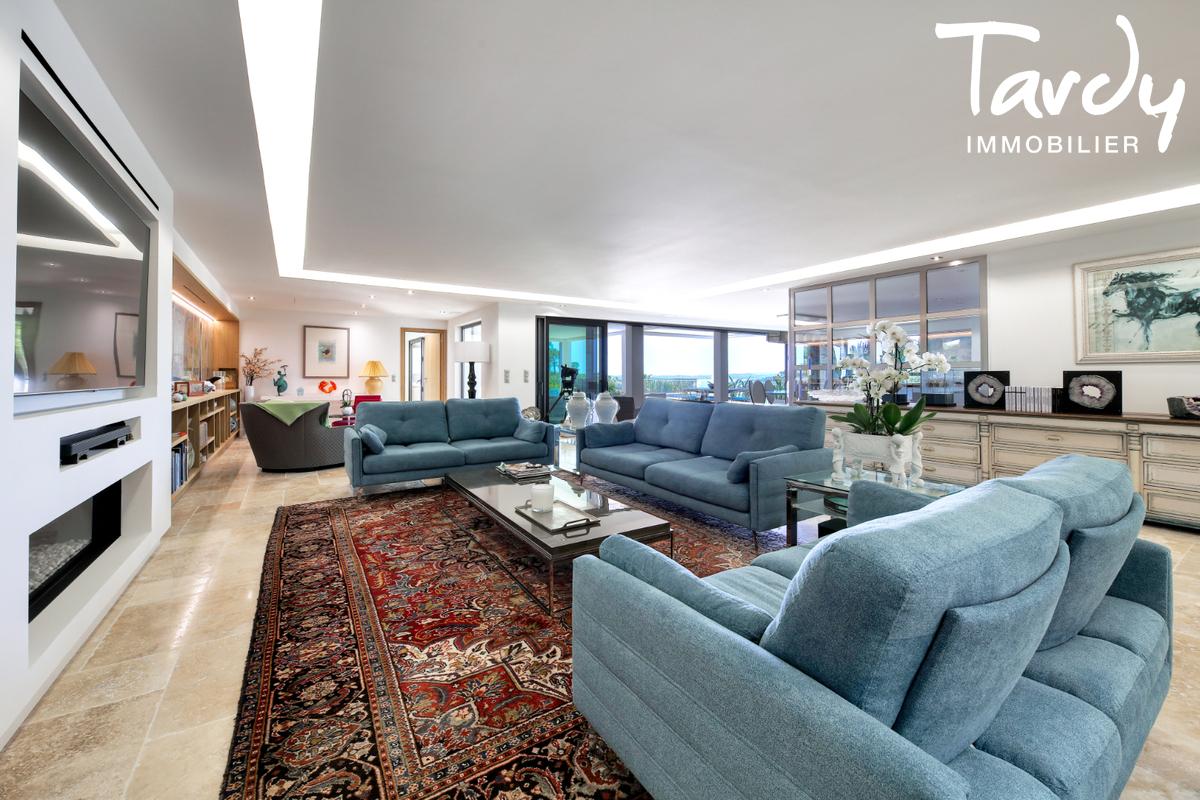 Villa  neuve contemporaine vue mer 83380 LES ISSAMBRES - Les Issambres - Villa d'architecte à vendre Saint Tropez