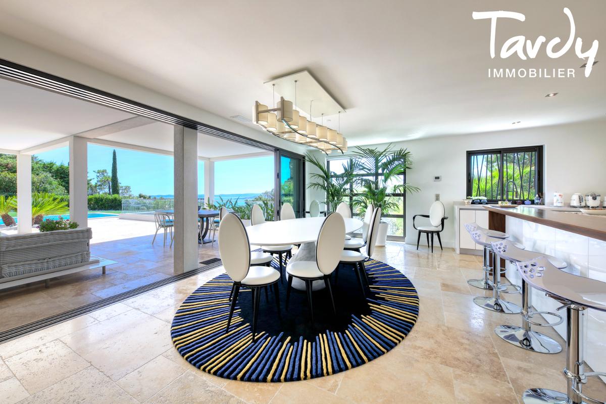 Villa  neuve contemporaine vue mer 83380 LES ISSAMBRES - Les Issambres - des biens vus nulle part ailleurs var Charles Tardy immobilier