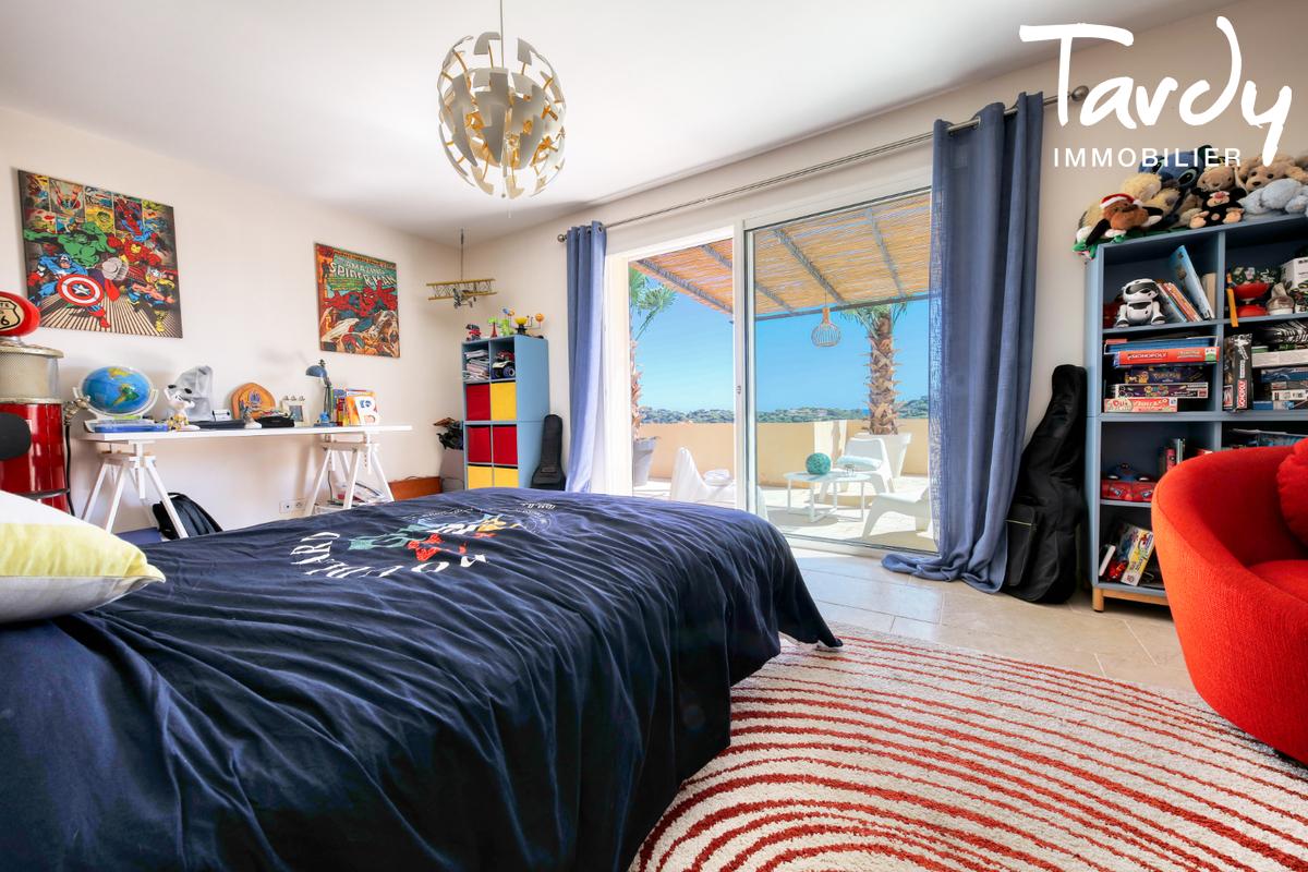 Villa récente dans domaine sécurisé- 83120 SAINTE MAXIME - Sainte-Maxime - Tardy immobilier Saint Tropez