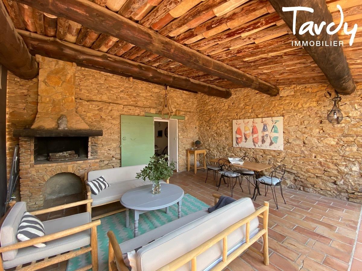 Mas en pierre rénové, campagne et calme absolu - 83740 LA CADIERE D'AZUR - La Cadière-d'Azur - NOUVEAUTE TARDY IMMOBILIER