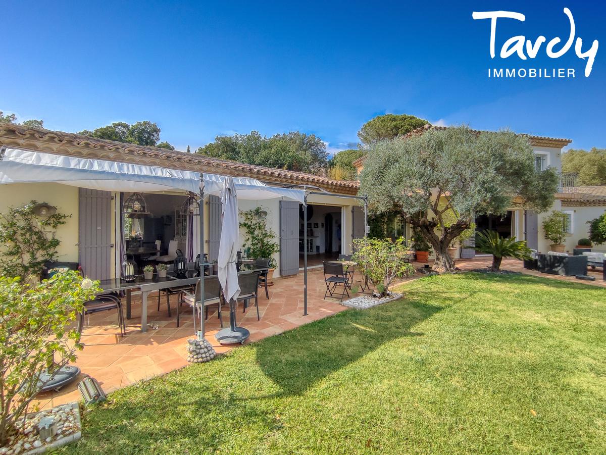 Villa avec piscine au calme - 83310- GRIMAUD - Grimaud - Immobilier de Prestige Côte d'Azur