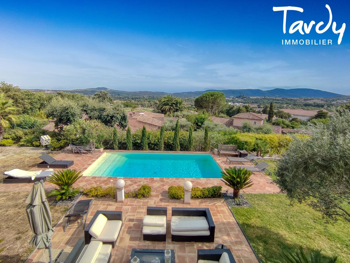 Villa avec piscine et grand terrain - 83310 - GRIMAUD - Grimaud - Villa avec piscine à vendre