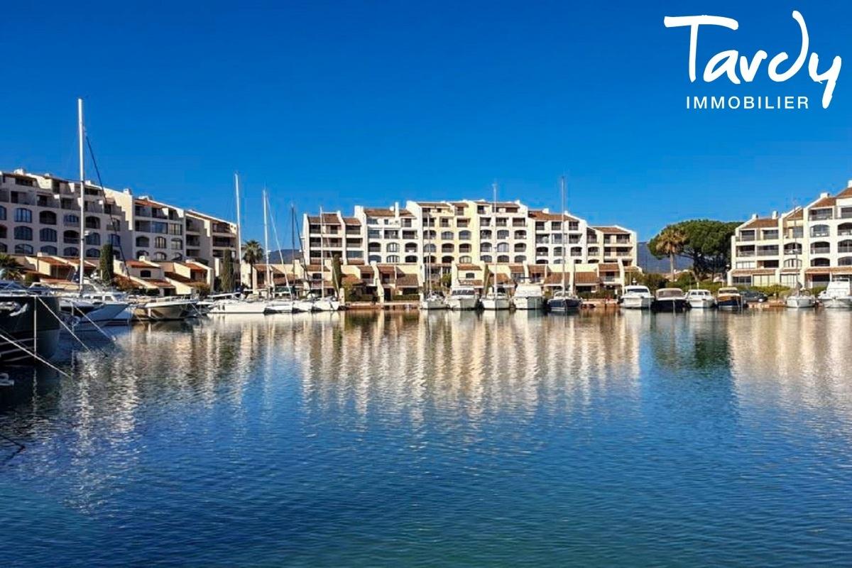Studio proche Saint-Tropez - 83310 LES MARINES DE COGOLIN - Marines de Cogolin - flat with sea view for sale