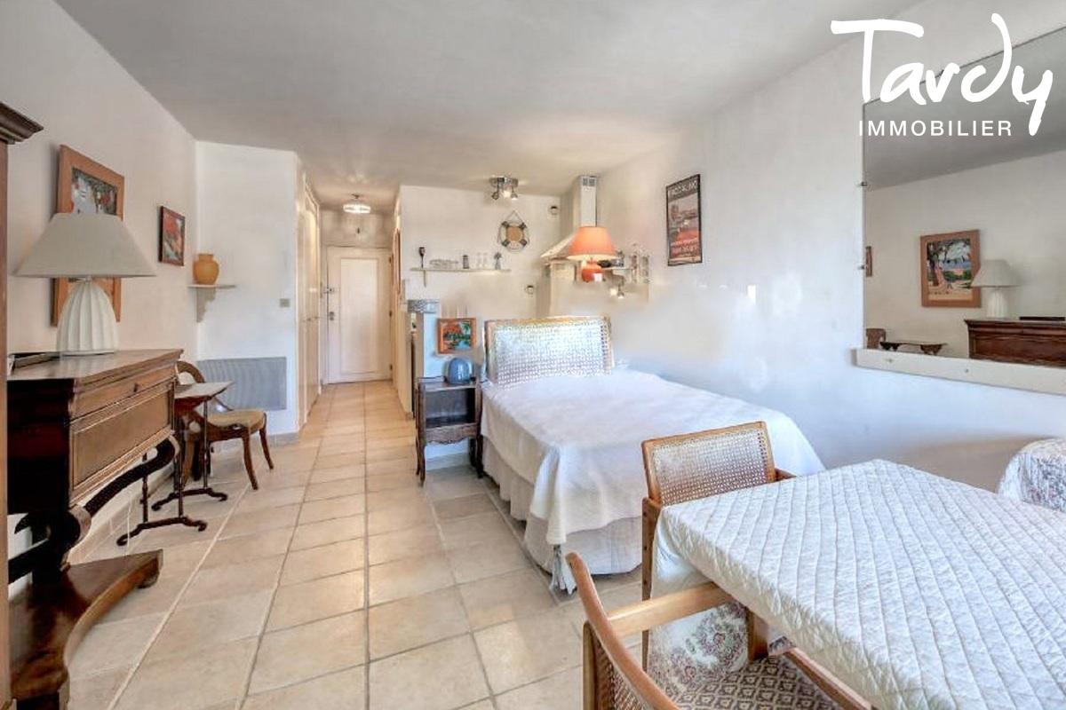 Studio proche Saint-Tropez - 83310 LES MARINES DE COGOLIN - Marines de Cogolin - appartement vue mer à vendre