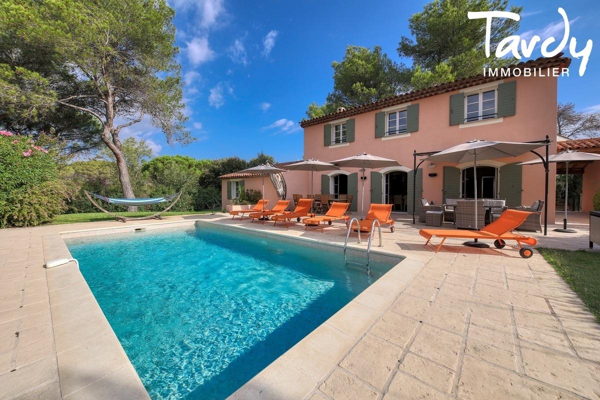 Maison dans domaine de Golf sécurisé  - 83920 - LA MOTTE - La Motte - Immobilier de Prestige Côte d'Azur