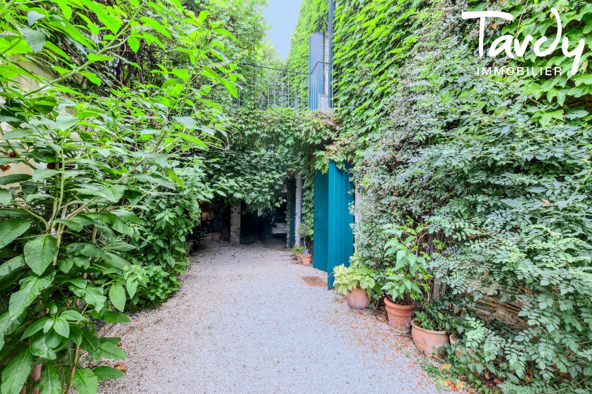 Ferme en pierre avec jardin - proche Saint-Tropez - 83310 COGOLIN - Cogolin - Maison de village avec jardin à vendre