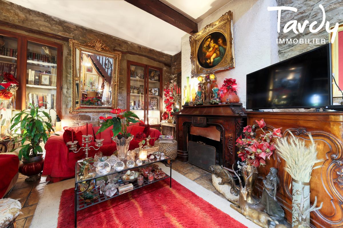 Ferme en pierre avec jardin - proche Saint-Tropez - 83310 COGOLIN - Cogolin - Real Estate Côte d'Azur