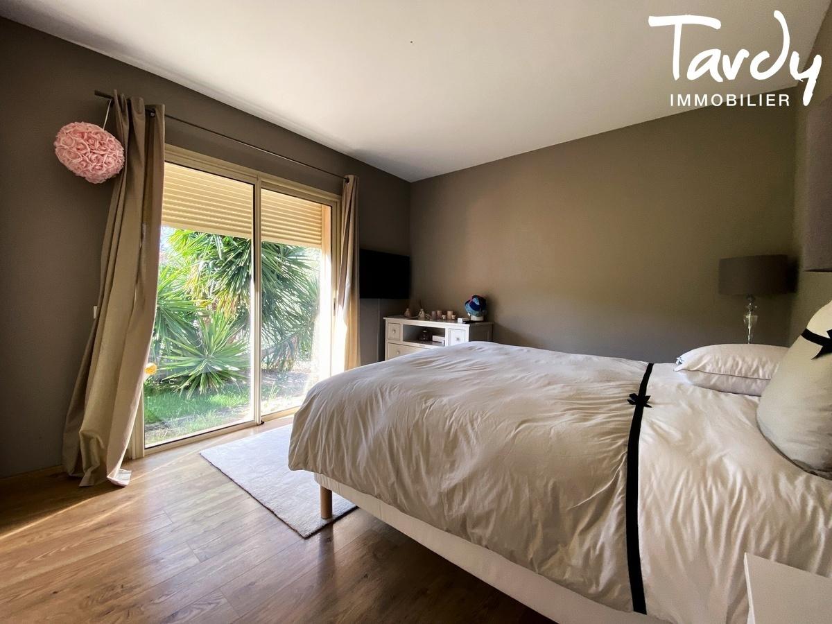 Villa de plain-pied, proche Golf de la Frégate et calanque Port d'Alon - 83740 LA CADIERE D'AZUR - La Cadière-d'Azur - PATTE BLANCHE 1ère MARQUE OFF-MARKET EN IMMOBILIER