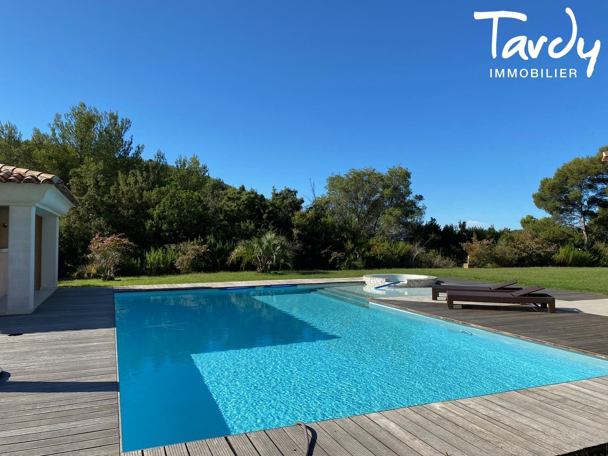 Villa de plain-pied, proche Golf de la Frégate et calanque Port d'Alon - 83740 LA CADIERE D'AZUR - La Cadière-d'Azur - VILLA RECENTE