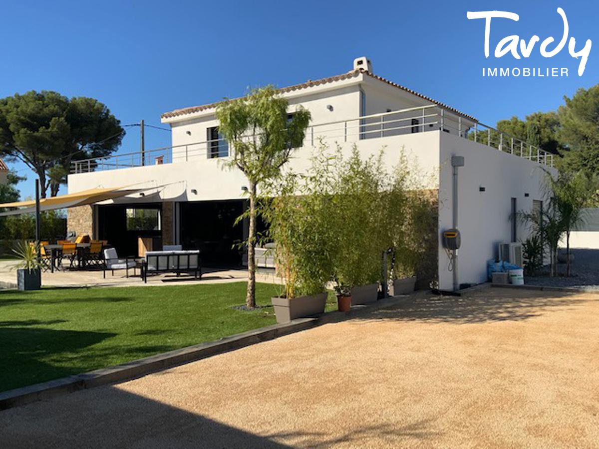 Villa contemporaine, proximité plages, commerces et port du Brusc - 83140 Six Fours Les Plages - Six-Fours-les-Plages