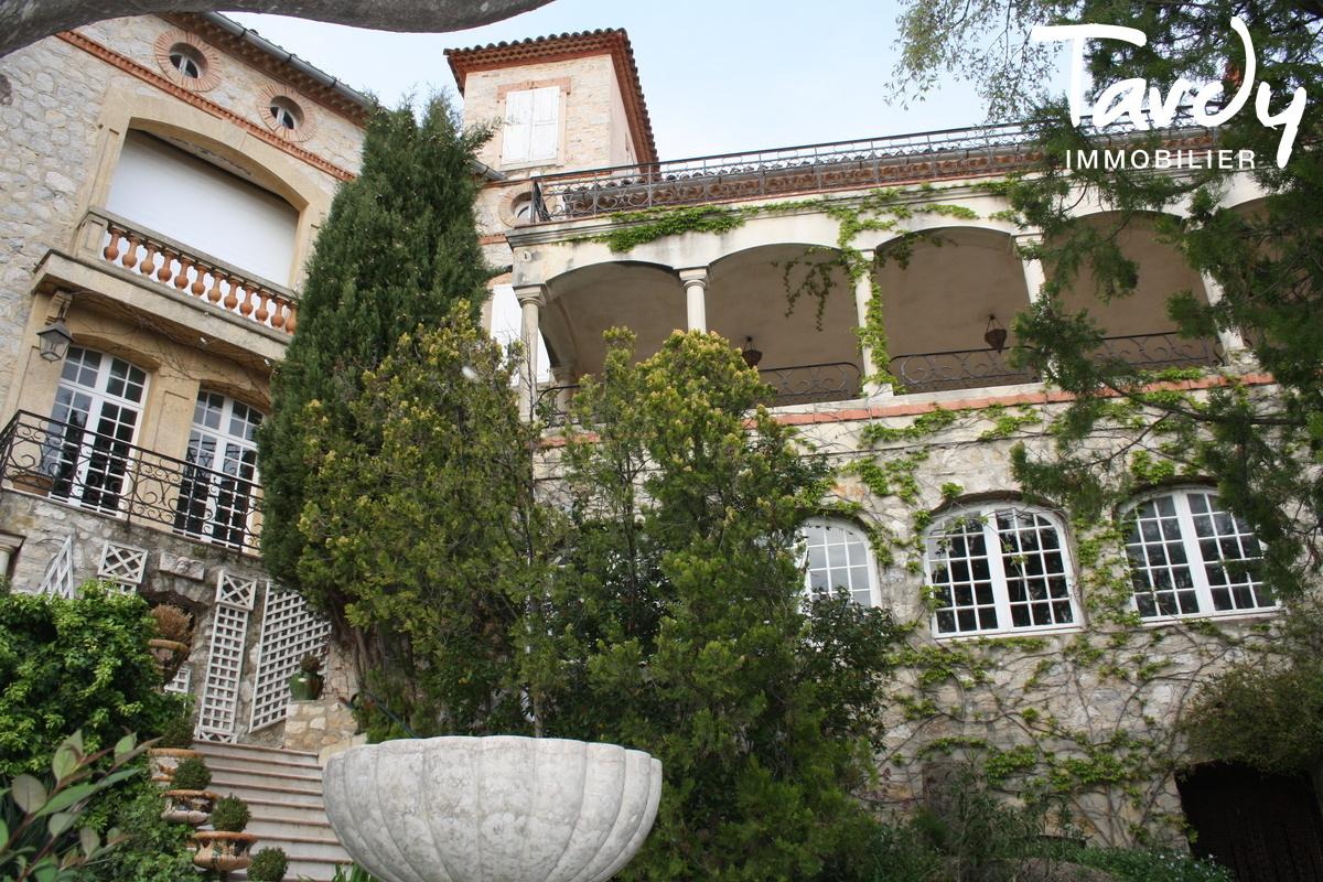 Chateau vue dégagée et mer - 83330 Le Castellet - Le Castellet
